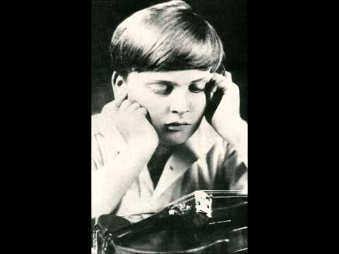 """Art of Violin"": Yehudi Menuhin in Moscow, Russia, November 16,1945. Live. wmv"