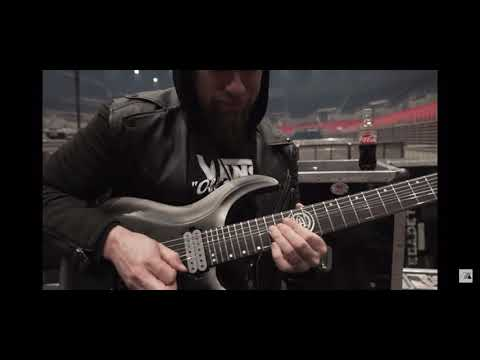 Andy James Warming Up And Showing Us Some Awesome Licks