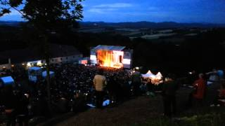 upcoming first 16 minutes of james blunt at burg clam upper austria at 12.july 2014
