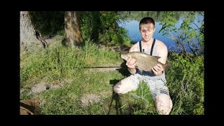 Рыбалка на Десне в июне. Покормил лещей и поймал бонус).