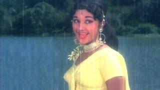 Mayadari Malligadu Songs - Vasthaa Yellosthaa - Krishna Ghattamaneni, Manjula