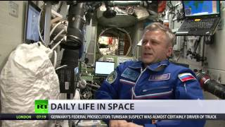 Space 360: Morning routine in zero gravity
