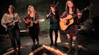 "Della Mae | ""Boston Town"" (Official Video)"