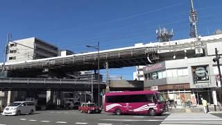 京都駅南口の八条通りから見た東海道新幹線上りN700系の到着