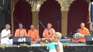 HH Kadamba Kanana Swami Stage Kirtan At Leipzig Ratha Yatra 09 08 2014