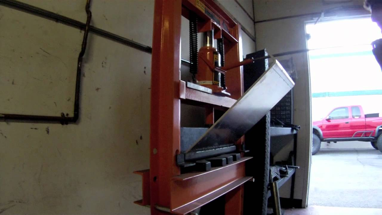 Bending With The Swag Offroad 20 Ton Press Brake Youtube