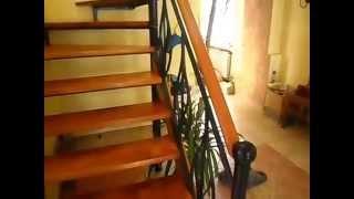 лестница на второй этаж в частном доме бюджетная(Как при скромном бюджете изготовить лестницу на второй этаж в частном доме., 2015-03-04T12:36:22.000Z)