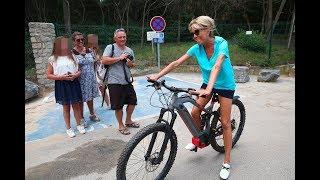 Brigitte Macron muscle son corp avec un vélo à 4000 €