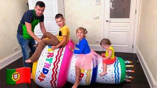 Cinco Crianças prepara um presente para o aniversário do pai