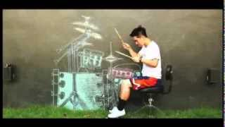 Amazing Drumming Skills. First Air Guitar Now Air Drums
