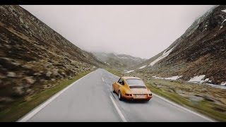 CURVES Magazine – Soulful driving with 9 Porsche models in the Swiss and Italian Alps.