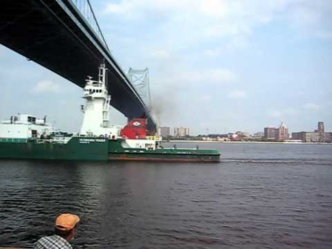 Big ship on the Delaware River