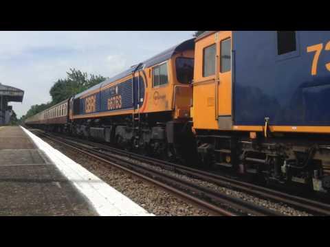 73962 + 66763 | 1Z65 Tonbridge - Southampton Central | Yalding
