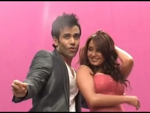 Minisha Lamba and Tusshar Kapoor at Hum Tum aur Shabana Song Shoot | Bolly2box thumbnail