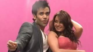 Minisha Lamba And Tusshar Kapoor At Hum Tum Aur Shabana Song Shoot , Bolly2box