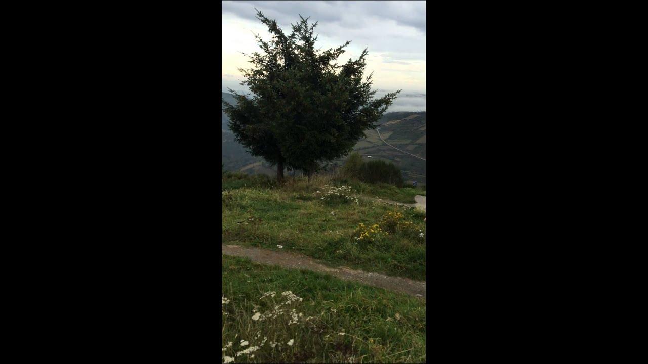 Filme ao lado do Albergue de O Cebreiro - Caminho de Santiago