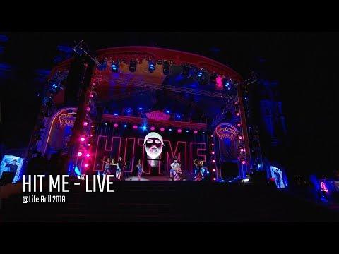 Смотреть клип Conchita Wurst - Hit Me Live