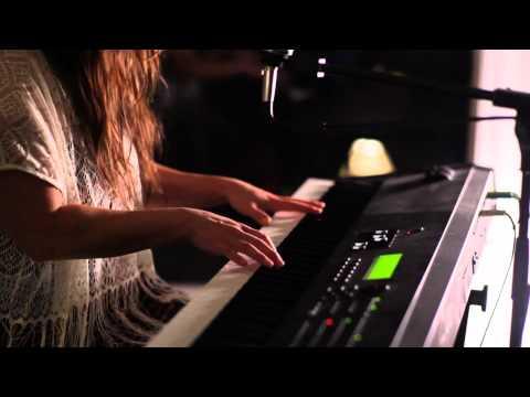 "Rachael Yamagata ""Dealbreaker"" - Live at Suite 268"