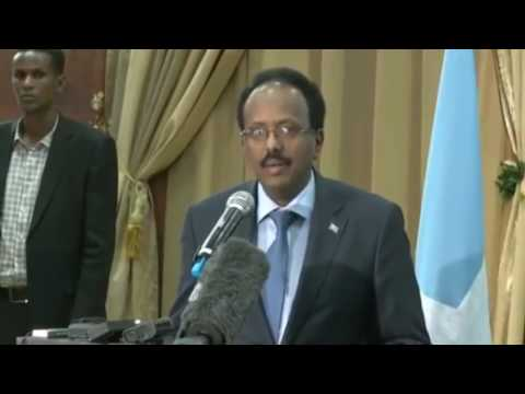 CNN Reporter Embarrassed Himself #MakeSomaliaGreatAgain President Farmajo