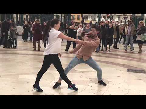 Professional Dancers join Street Performer - Entre Dos Aguas - Borja Catanesi