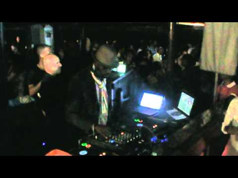 Black Coffee 2011 @ Chill out (Luanda) 29.07.11 Part-4