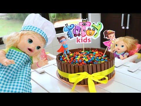 Totoykids junto a Sara hace un Pastel para el Canal!!! Los queremos Mucho!!!
