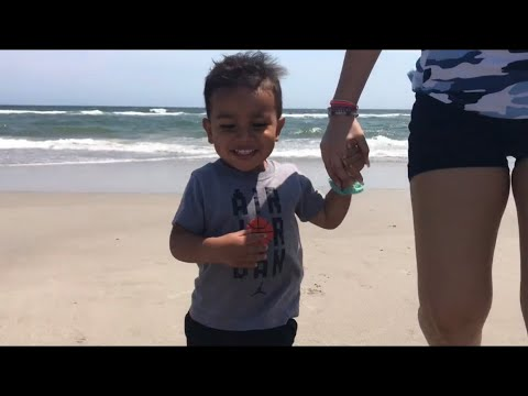 Nathan's first time at the beach 🏝 North Carolina vlog pt 1