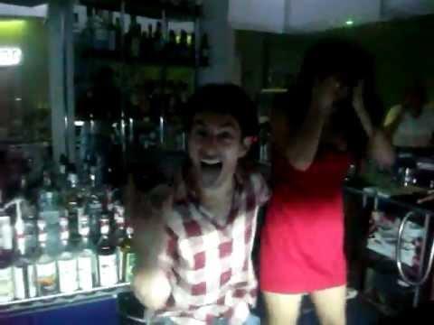 Armenia  Night Club Бармен жанглирует девушкой