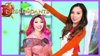 Disney Descendants 3 Audrey Queen of Mean in Real Life Make Up + Dress Up Play at Toy Hair Salon