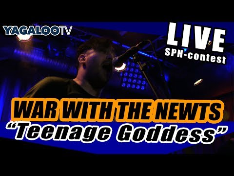 """WAR WITH THE NEWTS - Intro & """"Teenage Godess"""" (live im Privatclub)"""