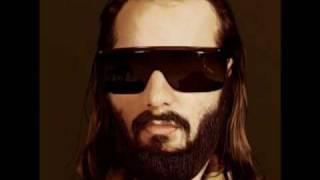 Sebastien Tellier-Divine (midnight Juggernauts remix)