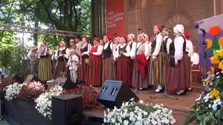 """00022 Folkloras diena """"Novadu sasaukšanās"""" uz Vērmanes dārza lielās skatuves 7.07.2018"""