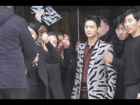 VIDEO Choi Minho / SHINee 최민호 @ Paris 4 march 2018 Fashion Week show Givenchy / mars