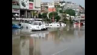 İzmire yağmur yağdı vatandaş perişan