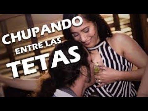 TOMANDO SHOTS ENTRE LAS TETAS