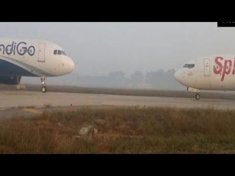 BREAKING NEWS: IndiGo - SpiceJet Aircrafts Come Face To Face At Delhi Airport