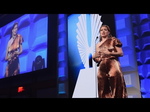 Debra Messing Urges Americans to Resist | 28th Annual GLAAD Media Awards