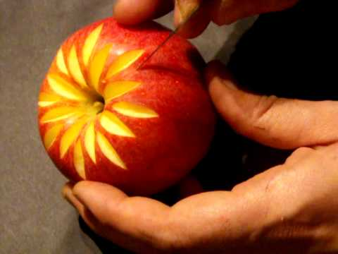 d co sur pomme carving in apple youtube. Black Bedroom Furniture Sets. Home Design Ideas