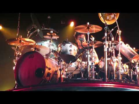 Alex Gonzalez - Drum Solo - Madison Square Garden NY 2016