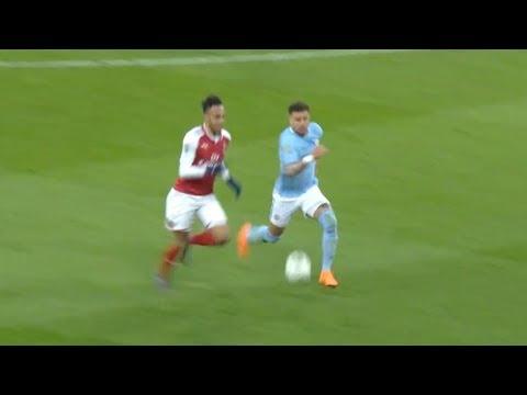 Aubameyang VS Kyle Walker - Amazing Speed