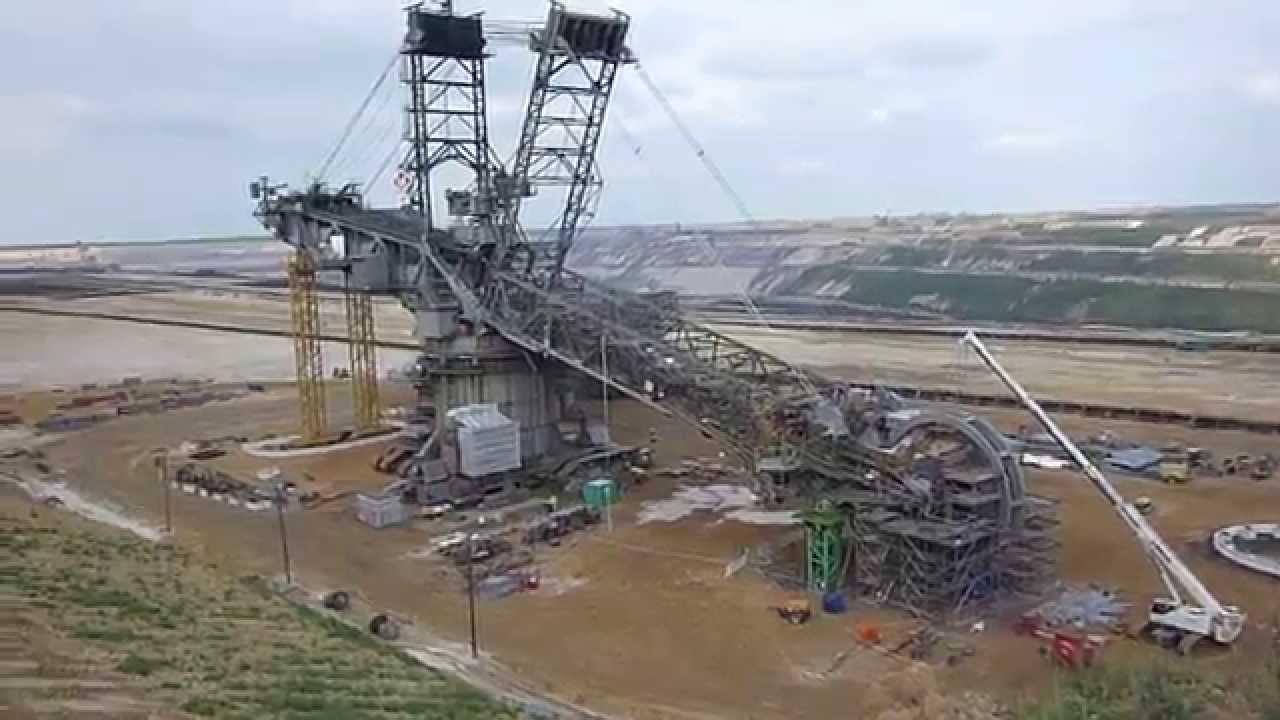 Monster Machine Worlds Biggest Bucket Wheel Excavator In Maintenance Bagger 288 Youtube