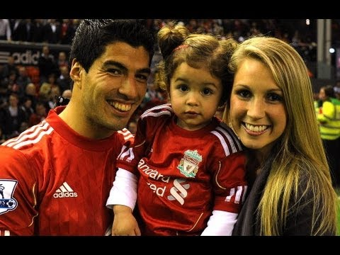 Luis Suarez signs new Liverpool deal