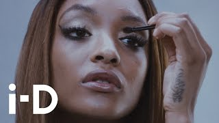 Dare to go Nude with Jourdan Dunn and Devon Aoki Thumbnail