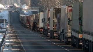 Truckers face Christmas stuck at Poland-Belarus border