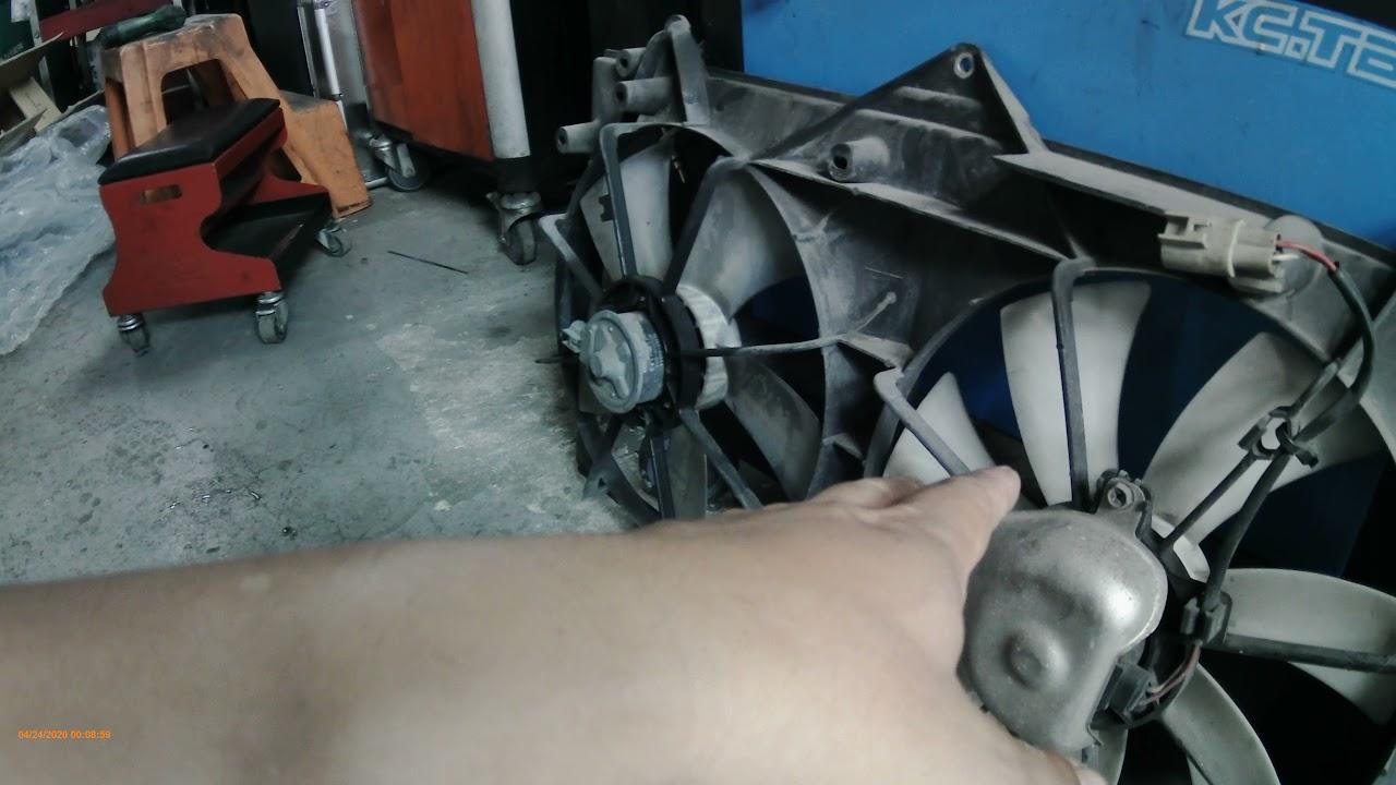 小搞234 CAMRY 風扇故障 散熱不良 冷排壓力大 導致破損 冷媒滲漏