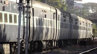 12864/Yesvantpur-Howrah SF Express Empty Rake With WDG 4 CDG