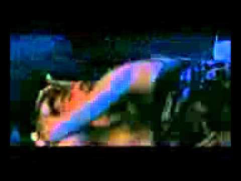 video latino amigo fura olho