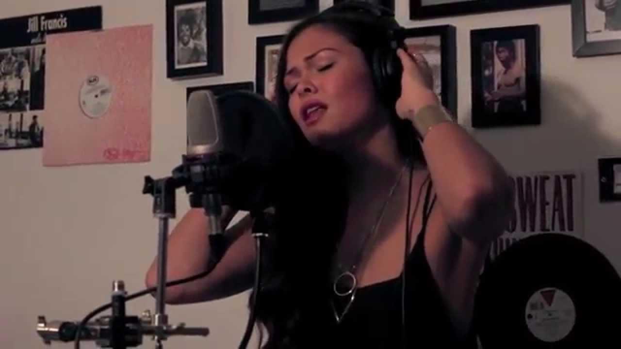 Sia - Chandelier | Liza Owen Piano Cover - YouTube