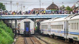 [Bugs] Minggu Sore Di Utara Stasiun Malang, Banyak Anak Kecil Nonton Kereta Api Lewat