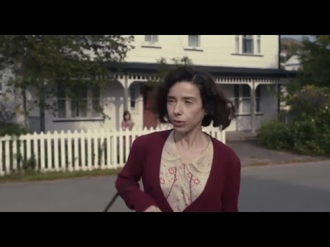 Sally Hawkins/Ethan Hawke In A Scene From MAudiE (2016)